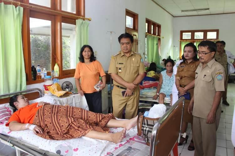 Bupati Jabes Gaghana SE,ME, kemarin langsung mengunjungi Rumah Sakit Umum Daerah (RSUD) Liunkendage Tahuna