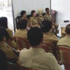 Usai Dilantik Wowor Pimpin Rapat Perdana Dinsos Mitra.