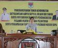 """PNS Minsel Terima Tanda Jasa dan SK Pengangkatan PNS Dari Bupati """"Tetty"""""""