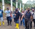 "Polisi-TNI dan Pemerintah Setempat Kawal Keluarga Korban ""Tabur Bunga"" di Kawasan Tambang Ratatotok KRMS"
