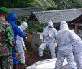 Pemakaman Jenazah Warga Buyungon Terkonfirmasi Covid-19 Dikawal Babinsa Serka Iwan Lahea