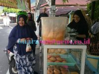 Penjual Kue Raup Keuntungan Ratusan Ribu Perhari