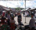 Nuansa Natal dan Tahun Baru Masa PandemiPengunjung Pasar Esa Waya Kawangkoan Ikuti Prokes.
